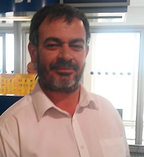 Mein Name Ist Ioannis Vlachos. Ich lebe seit 3 Jahren in Österreich. 2014 habe ich begonnen, Olivenöl aus meiner Heimat nach Österreich zu importieren.